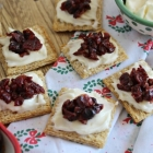Cranberry and Brie Triscuit Snacks