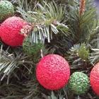 DIY Christmas Garland With Styrofoam Balls