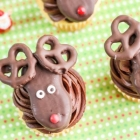 Easy Reindeer Cupcakes With Nutter Butters
