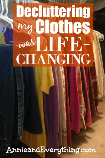 decluttering-clothes