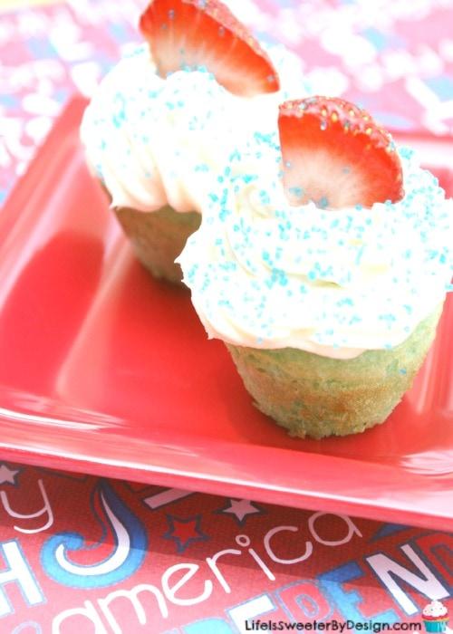 mini patriotic cupcakes