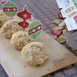 crunchy strawberry cheesecake balls