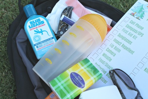 easy packing list for hikes