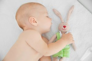 5 Ways to Protect Your Baby's Lungs From RSV