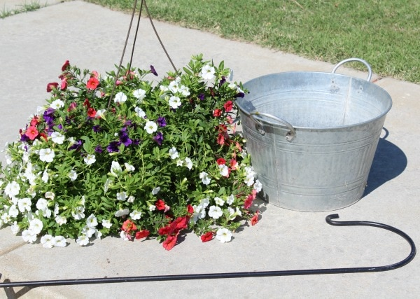 how to make a cascading flower basket in a tub