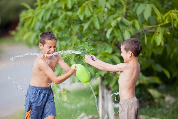 easy DIY outdoor games to make