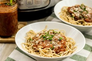 Instant Pot Spicy Tomato Sauce