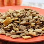 how to make pumpkin spice snack mix
