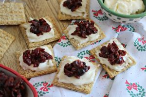 easy Cranberry and Brie Triscuit appetizers