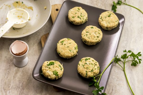instructions for Weight Watchers Crab Cakes and Dipping Sauce