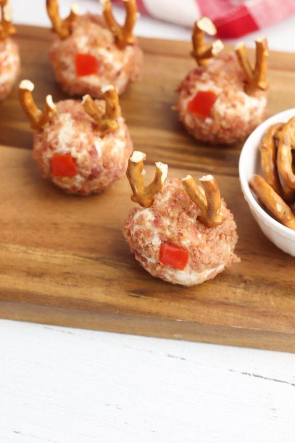 mini reindeer cheese balls