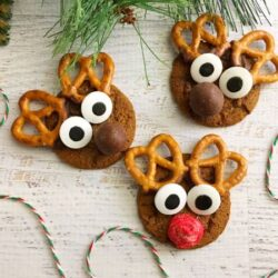 three reindeer gingersnap cookies