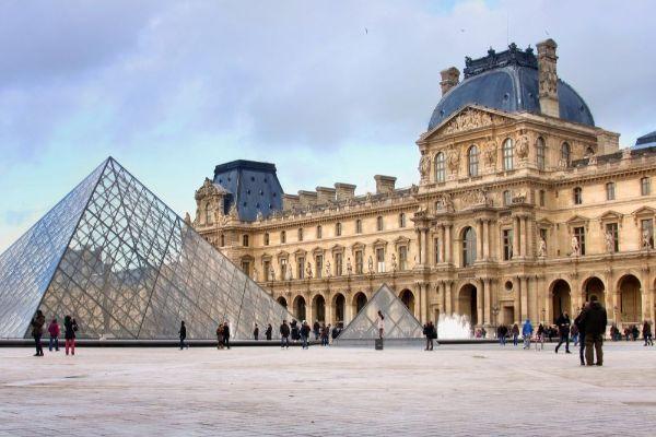 visit Paris with kids