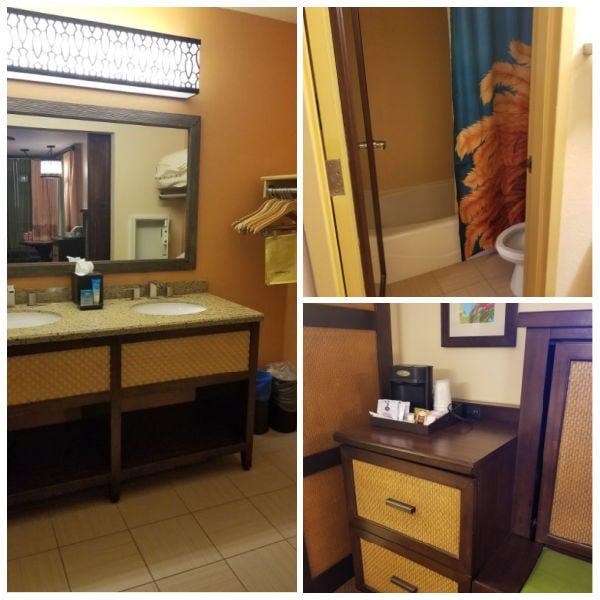 Disney Caribbean Beach Resort standard room bathroom