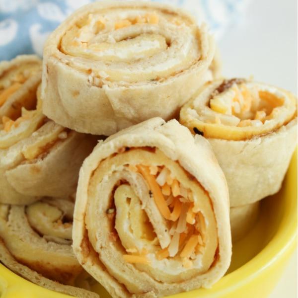 breakfast pinwheel roll-ups