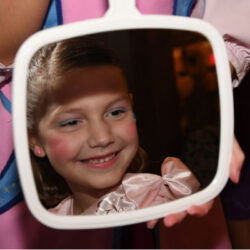 picture in mirror at Bibbidi Bobbidi Boutique