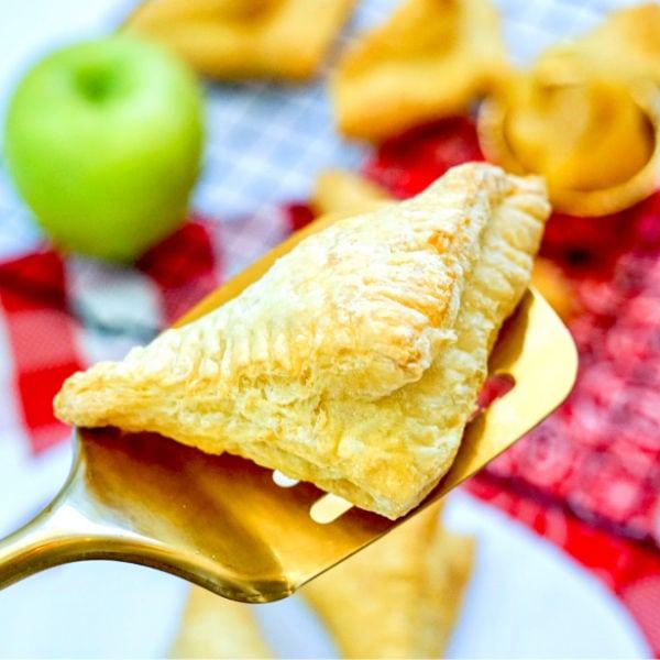 air fryer apple turnovers