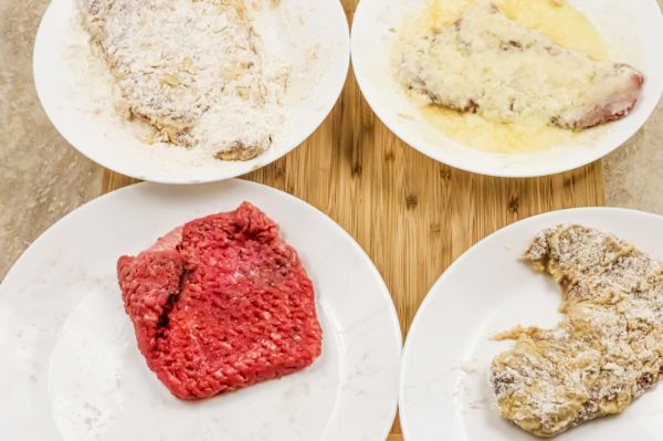 how to bread meat for Air Fryer Chicken Fried Steak