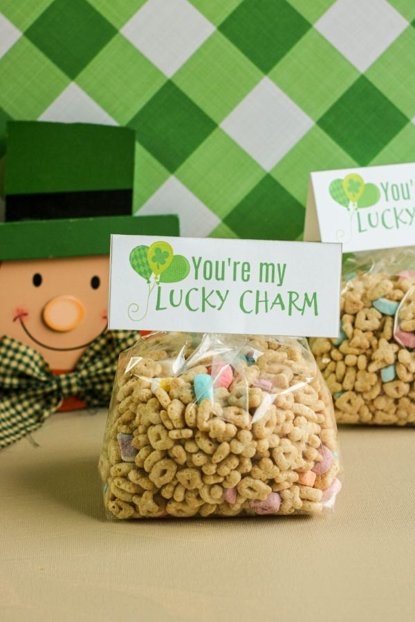 Printable St. Patrick's Day treat bag toppers