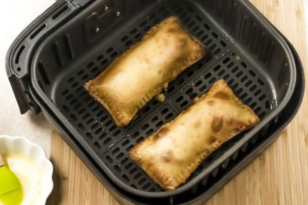 pizza pockets in the air fryer basket